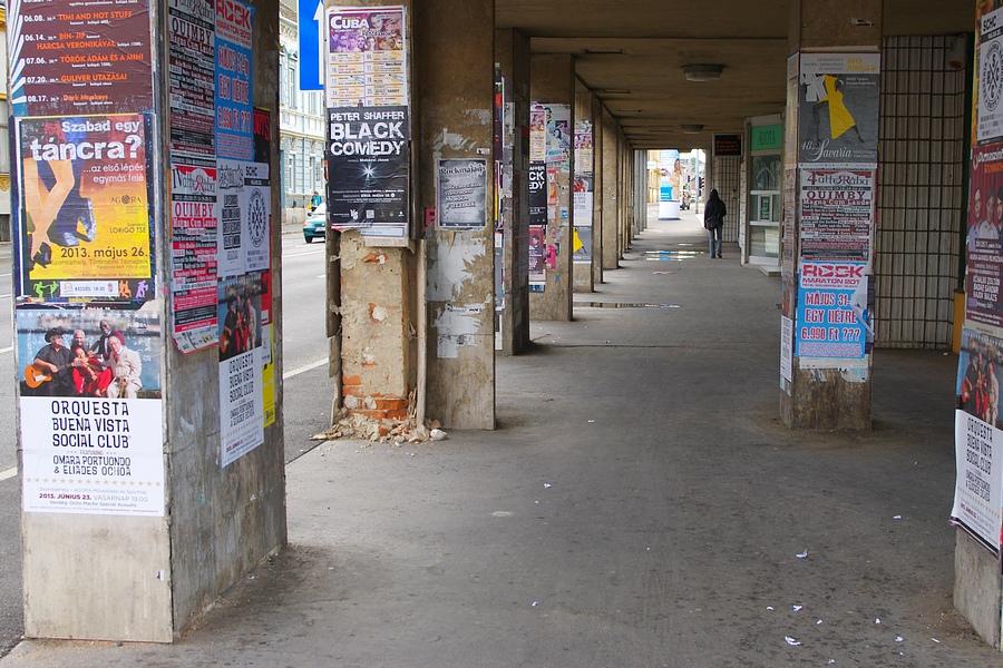 plakát utca