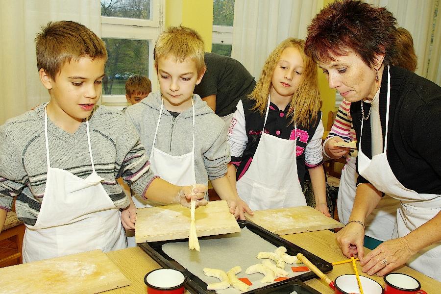 Márton kifli sütés (15)