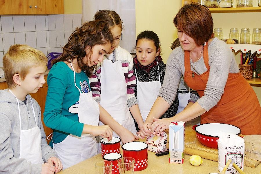 Márton kifli sütés (4)