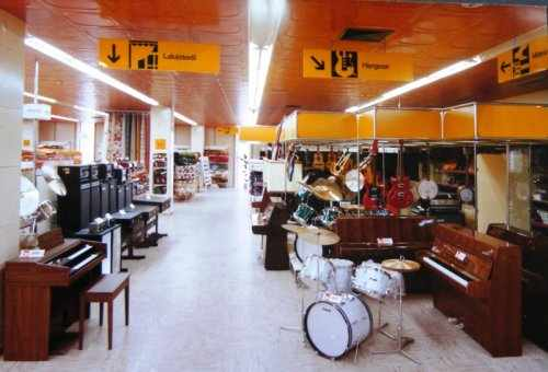 Borostyanko-Aruhaz-hangszer-osztaly.preview